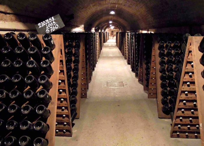 Paris ; champagne ; discover ; from paris ; region ; cellar ; sparkling