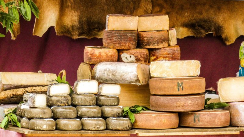 cheeses of goat Top 5 reasons to go to Loire Valley