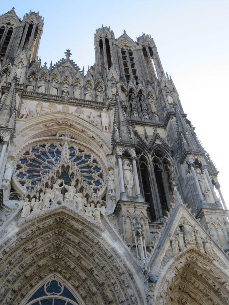 visit-reim-cathedral-champagne-region